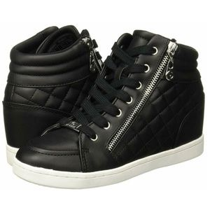 G By Guess Women's 9.5 M Daryl Black Sneakers